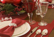 Эти правила подачи блюд на стол необходимы каждой хозяйке! Запоминай, чтобы не пришлось краснеть перед гостями.