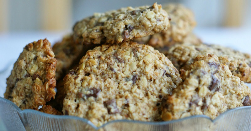 To make this cookie, you need 1 bowl, 2 ingredients and only 15 minutes.
