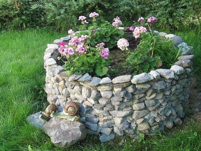 Украшение дачи своими руками из камней