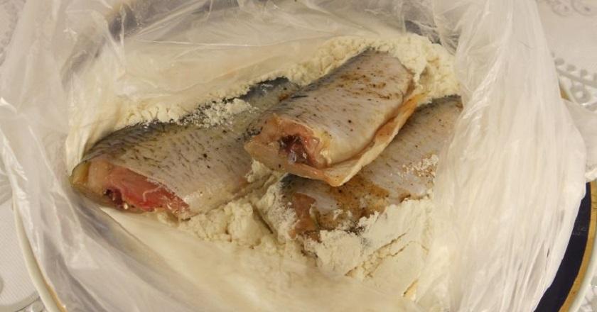 Вот как надо жарить любую рыбу! В меру соленая, не пригорает, а корочка хрустит. Рассказал знакомый повар. ☝?
