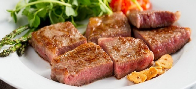 How to cook a steak of veal, pork, turkey and fish in a pan