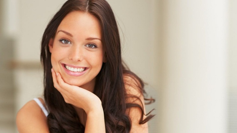 The dentist's wife taught to remove tartar and whiten teeth in 4 minutes.