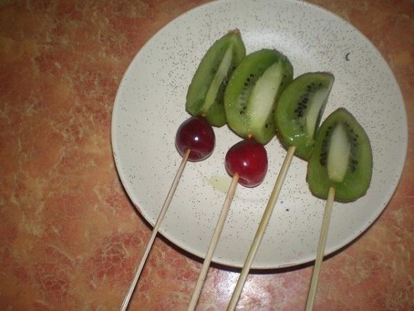 Как сделать букеты из фруктов своими руками