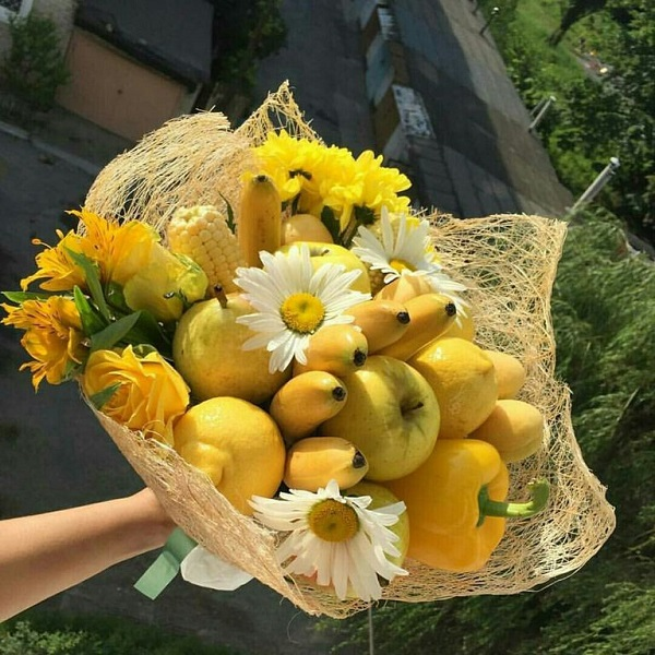 Букеты из цветов и фруктов своими руками фото