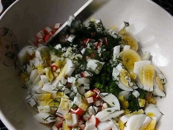 Салат с крабовыми палочками и кукурузой. Классические рецепты очень вкусного салата с крабовыми палочками