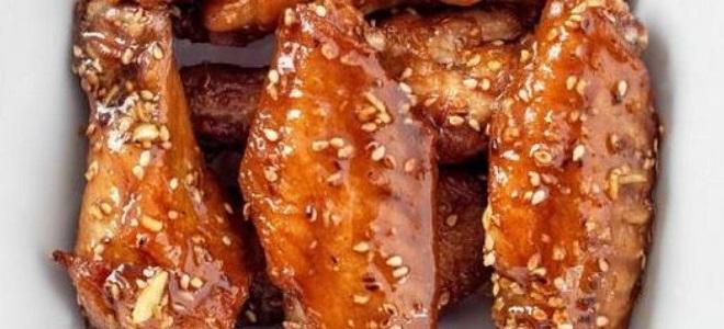 Куриные крылышки с кунжутом в духовке