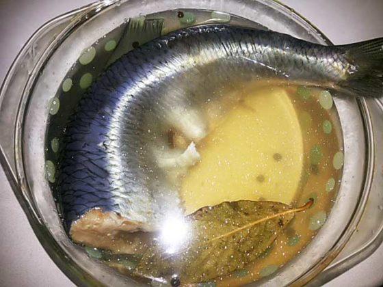 Как вкусно посолить селёдку в домашних условиях целиком