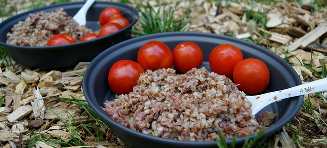 Buckwheat with stew - the most delicious recipes of simple dishes