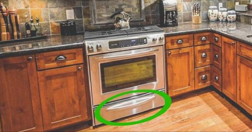 6 вещей с неожиданным предназначением. Ящик под духовкой НЕ для сковородок! Тут всё продумано.