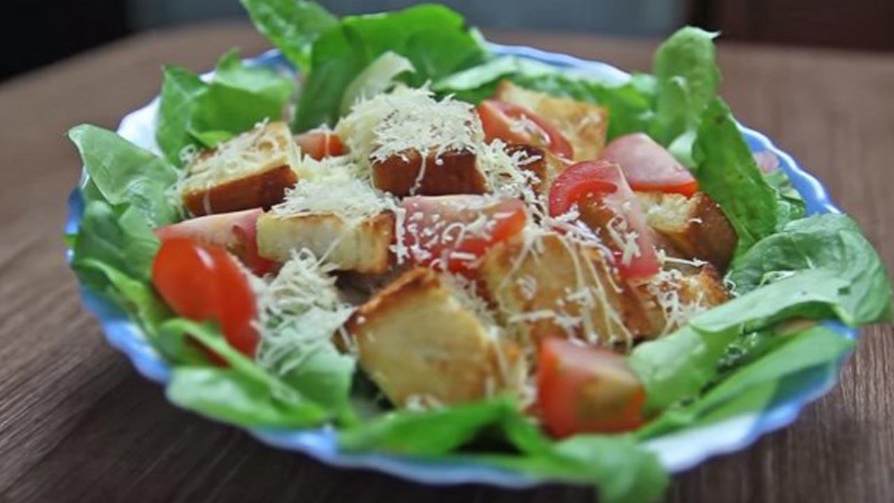 рецепты салата цезарь с курицей и сухариками классический