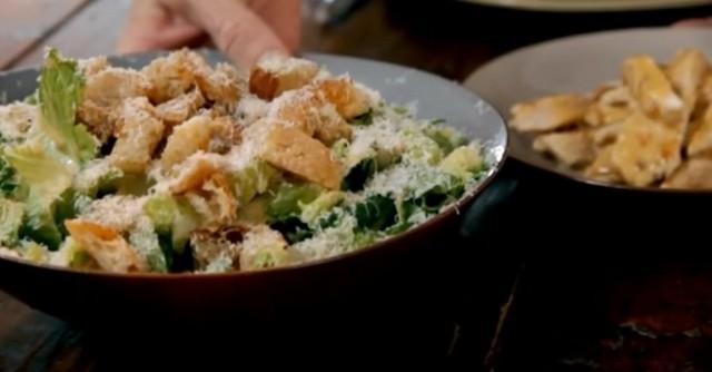 Салат цезарь – 3 классических рецепта приготовленных с курицей