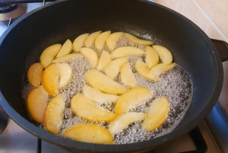 Рецепт шарлотки с яблоками от шеф повара