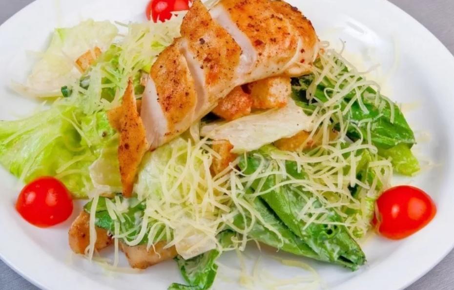 классический рецепт салата цезарь с курицей в домашних условиях