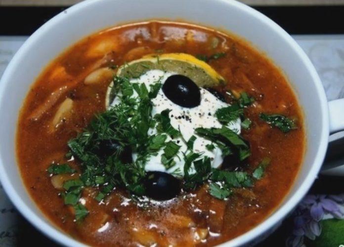 Солянка суп с грибами и колбасой рецепт