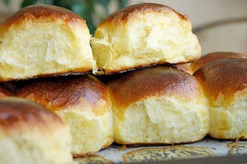 Pastry for baking! Even the busiest housewife will instantly cook these homemade buns.
