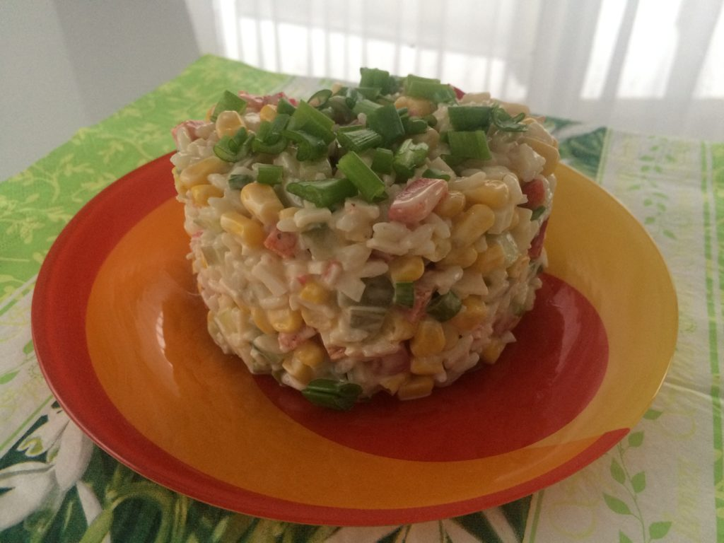 Рецепт салата крабовые палочки с кукурузой