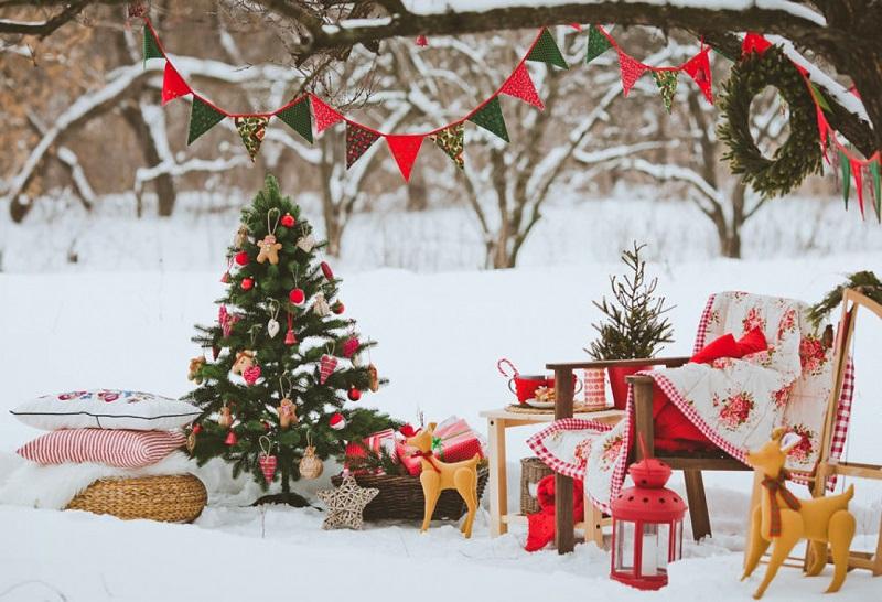 Украшаем дом и двор к новому году своими руками