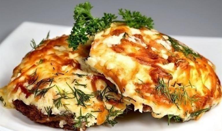 мясо по-французски рецепт с картофелем в духовке с помидорами