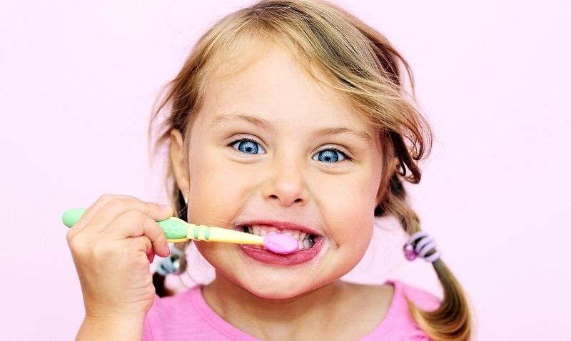Квадратик на зубной пасте говорит о многом! Проверь, какого он цвета: ты удивишься.