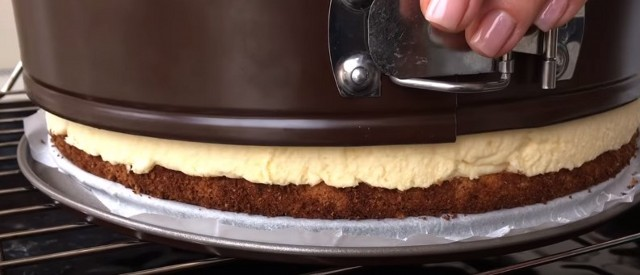 Simple recipes for New Year cakes at home, with photos.