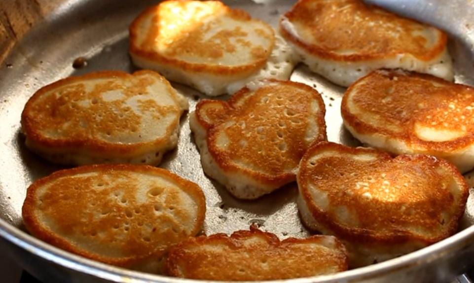 оладьи на кислом молоке рецепт с яблоками