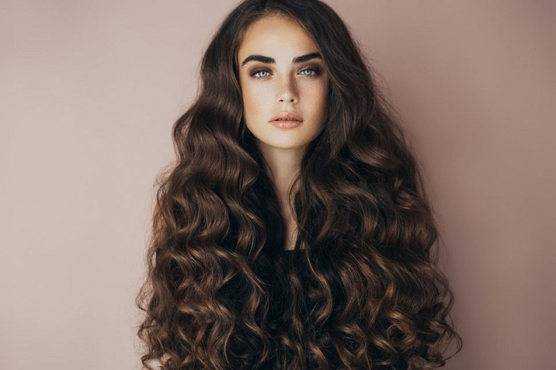 Растут как на дрожжах! 7 способов сделать волосы длиннее и гуще уже за месяц.