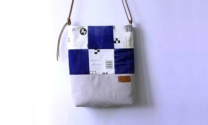 31887f62acbe Шить сумку из джинсов мы будем с использованием лоскутов. Обратите  внимание, что в данном мастер-классе задействованы несколько видов ткани,  ...