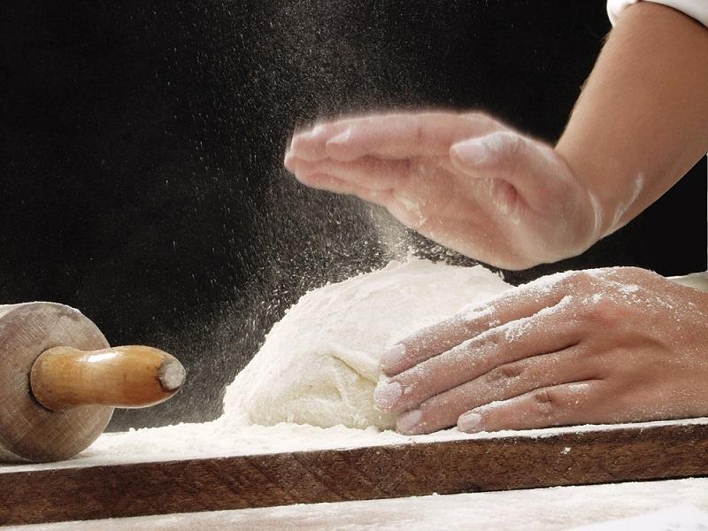 Ночное тесто: готовлю с вечера, а на утро получаю лучший продукт для выпечки. Булочки из него — просто божественные.