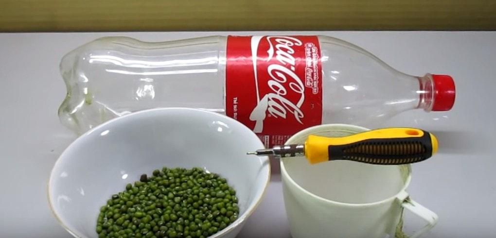 Удивительный лайфхак! Использование пластиковой бутылки для выращивания ростков бобовых.