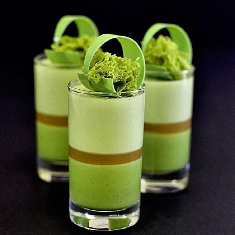 Десерты в стаканах