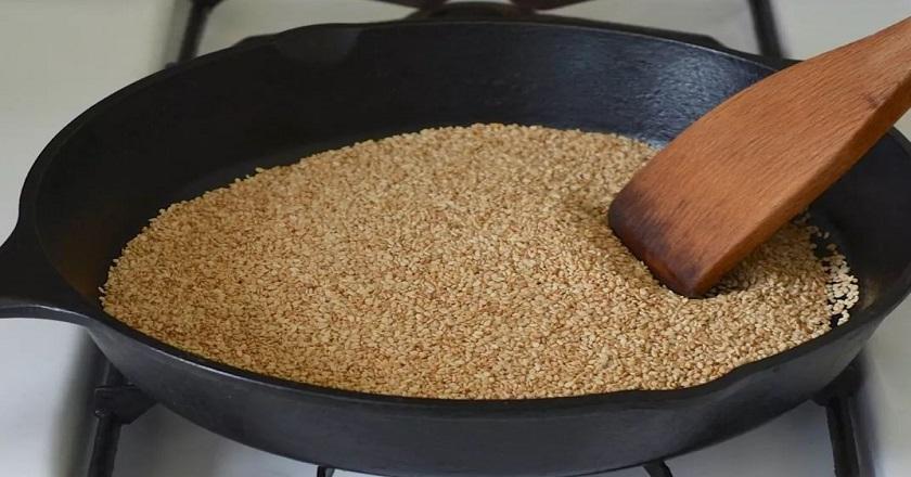 Природное лекарство от давления, загрязненных сосудов и ожирения! Добавляю даже в борщ. Придает оригинальный вкус любому блюду — однозначная выгода.