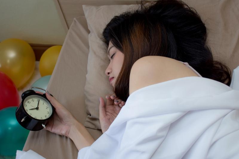 1 л кефира, 1 л молока, 6 яиц, 4 ч. л. соли: на ночь оставляю в холодильнике, утром уже ем. Минимум хлопот — максимум удовольствия!