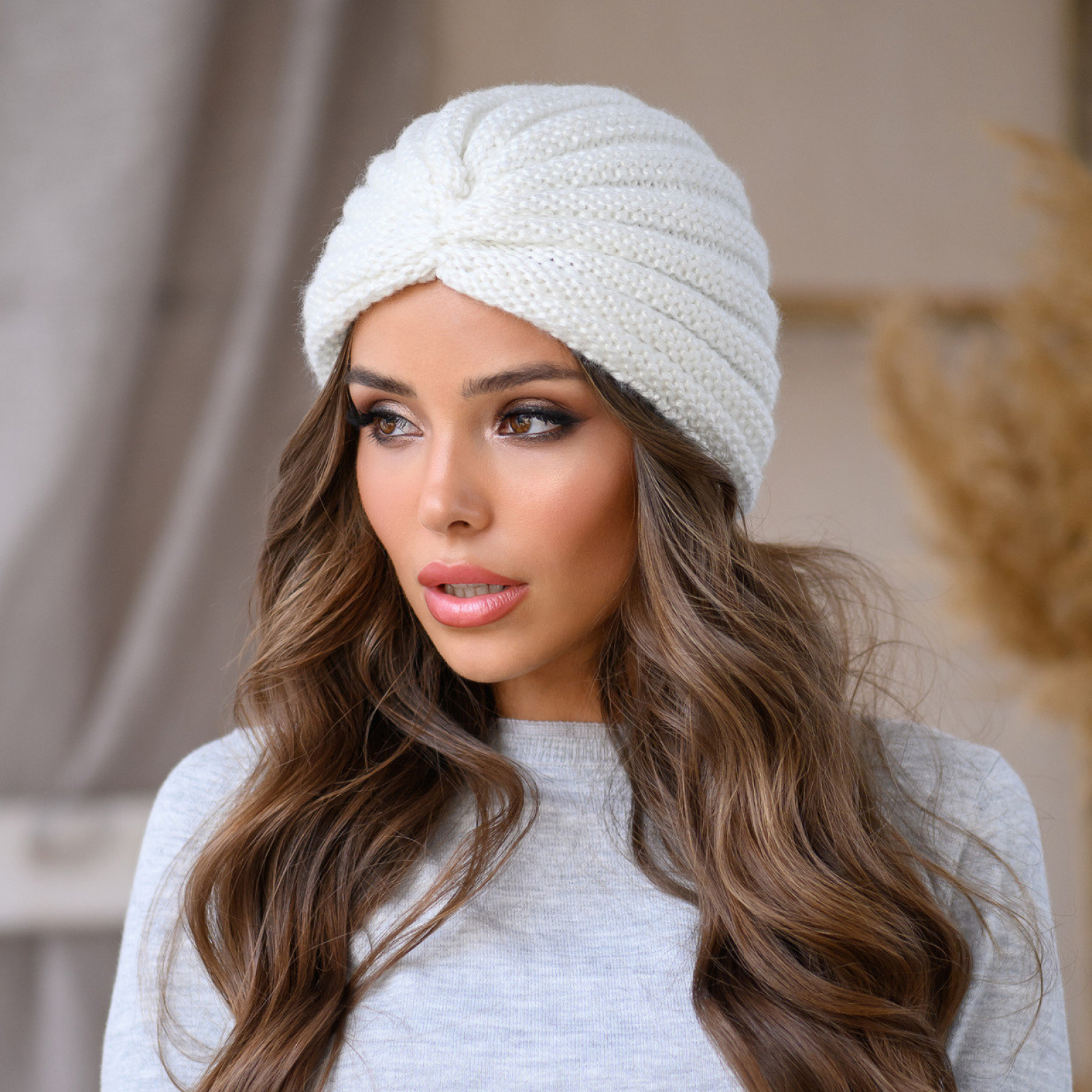 Тепло и стильно: модные головные уборы сезона зима 2020