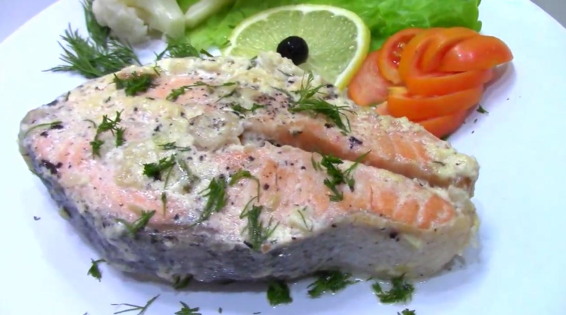 Великолепный лосось в сливочно-чесночном соусе