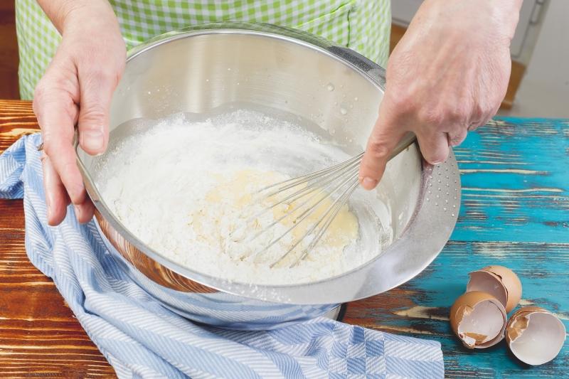 Как успеть сделать полноценный торт без пропитки коржей за полчаса