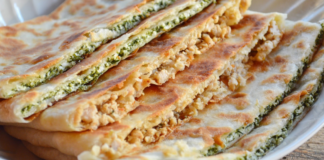 Гёзлеме – горячий привет из Турции: отличная закуска с двумя видами начинки (с тестом филло)