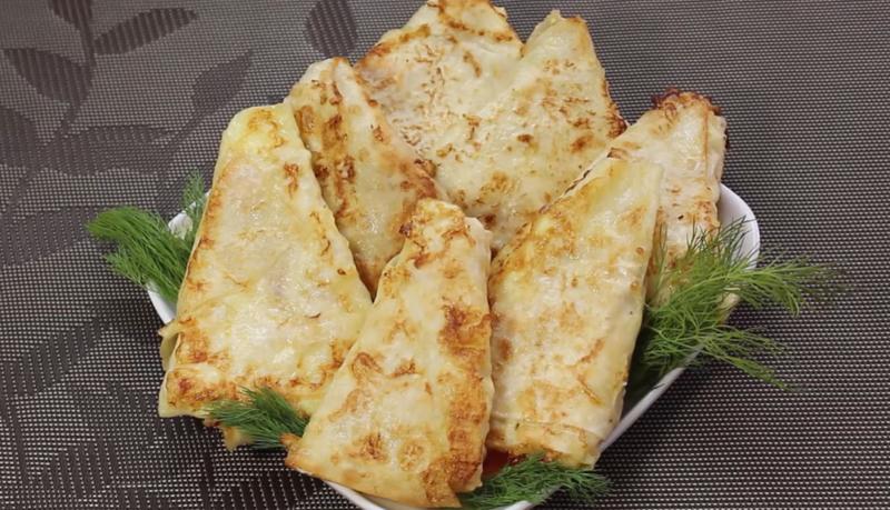 Конвертики, которыми можно перекусить – сочные бутерброды из лаваша с сочной начинкой, рецепт пригодится на все случаи жизни