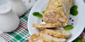 Аппетитный рулет из курицы в мультиварке