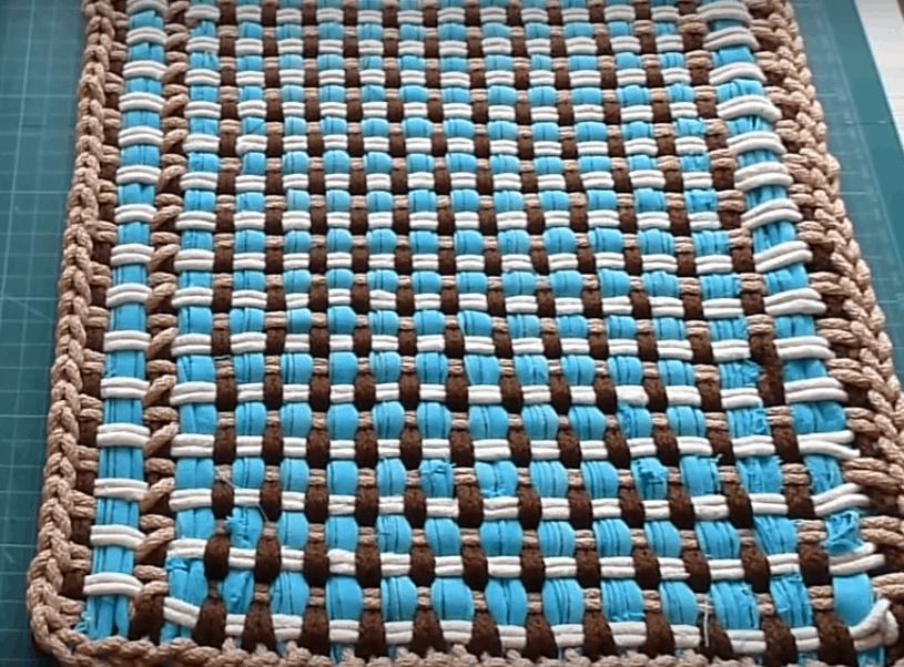 Эффектный коврик за один вечер. Плетем быстро и просто.