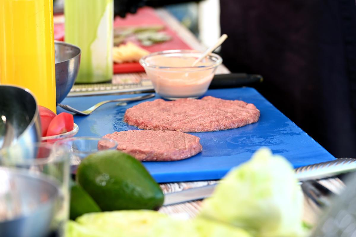 ЗОЖ-бургер: просто замените булочку на салат