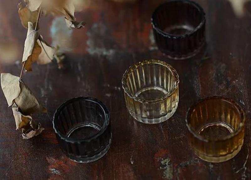 Создание музейной атмосферы в доме с помощью граненых стаканов