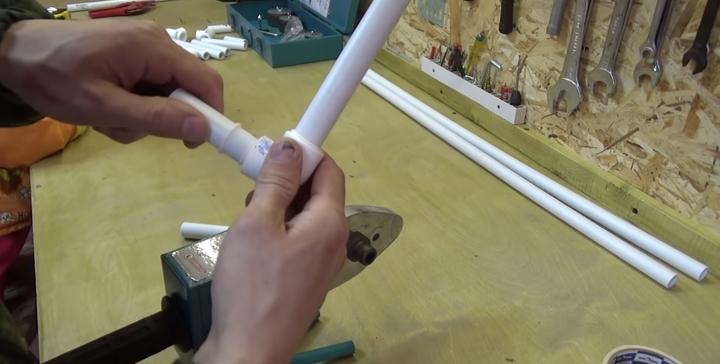 Полезная самоделка для жены из пластиковой трубы