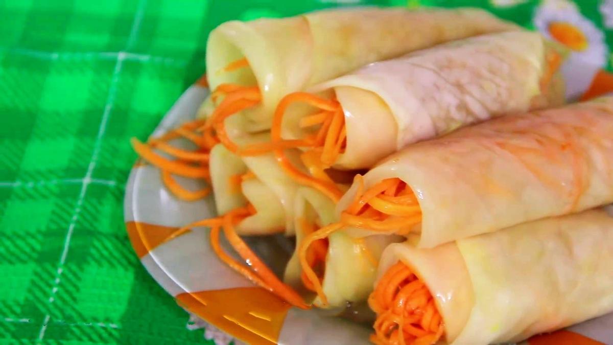 Маринованные капустные рулетики с морковью. Хит любого праздничного стола.