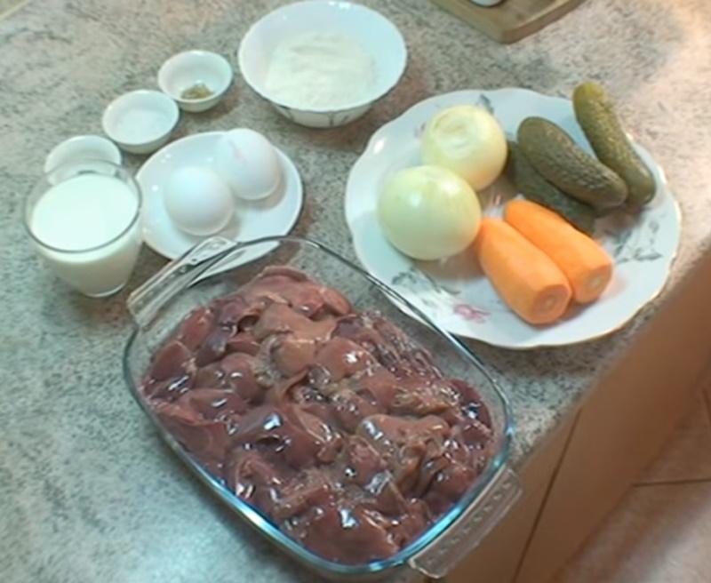 Зачем взбивать сырую печень с яйцами в блендере
