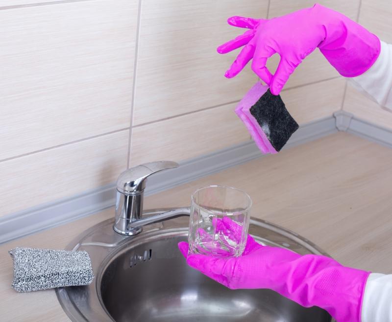 Какие кухонные принадлежности следует выбросить