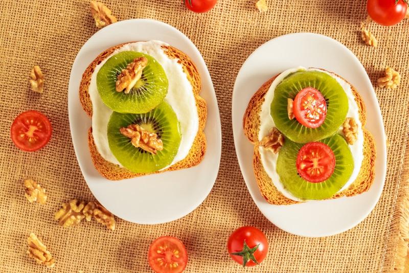 Скромное очарование заморских бутербродов с киви