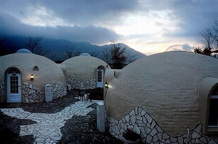Купольные дома, которые построили за 2 часа, а простоят они целых 300 лет