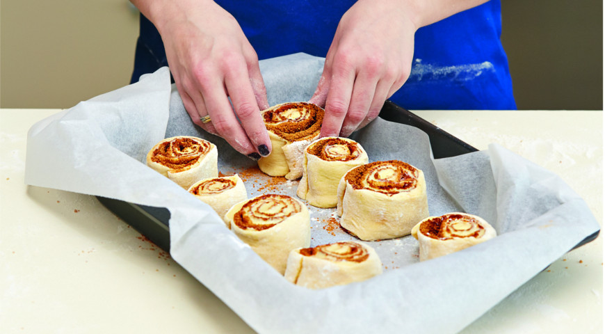 Синнабоны с глазурью из творожного сыра
