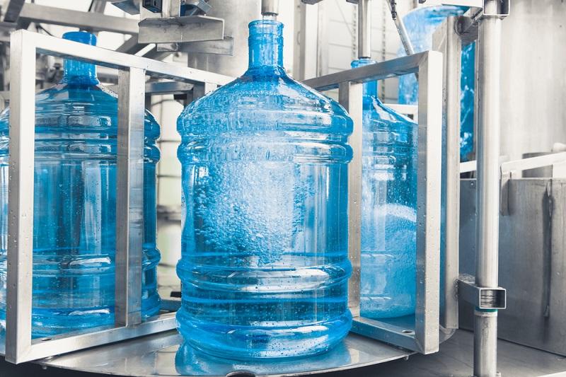 Как отмыть изнутри бутыль для воды от зелени и прочего