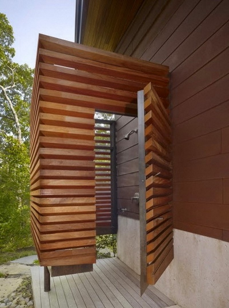 Как обустроить летний душ на даче